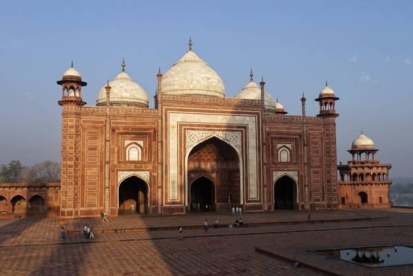 Early morning trip to Taj Mahal