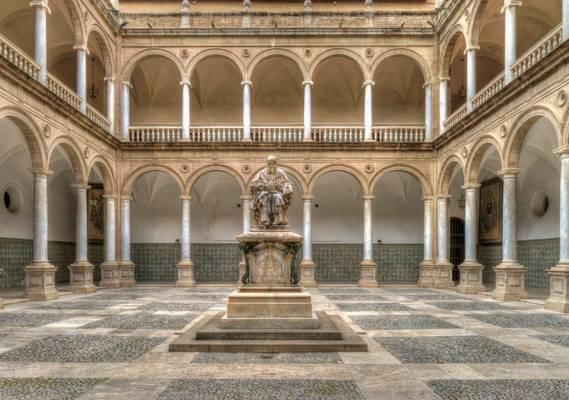 Seminary cloisters inside Palacio Del Patriarca (Patriarca Palace)