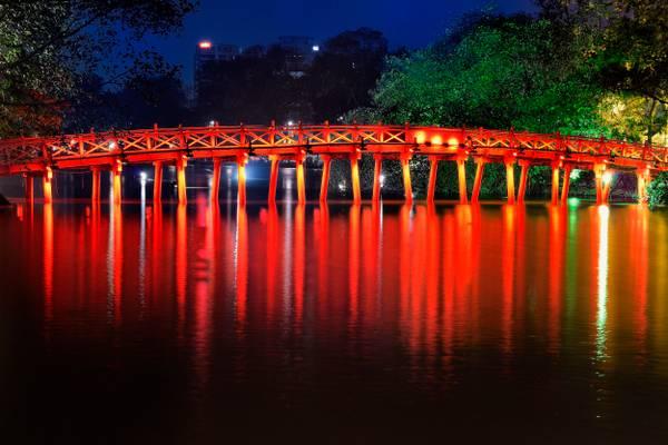 Huc Bridge - Hoàn Kiếm Lake, Hanoi, Vietnam