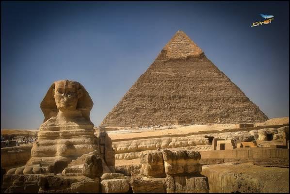 386 - Sphinx & Pyramid