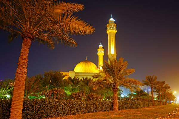 Bahrain by night. Al Fateh Grand Mosque
